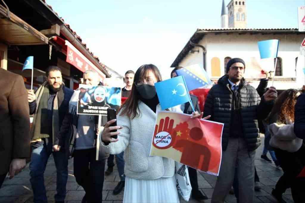 Bosna Hersek'te Uygur Türklerine destek yürüyüşü düzenlendi
